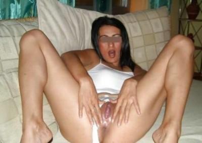 Fille très sexy qui aime la défonce anale