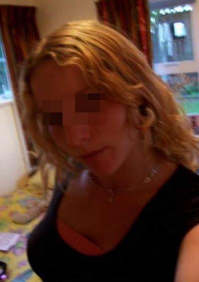 Jeune Femme sexy qui cherche un homme puceau à La Teste-de-Buch